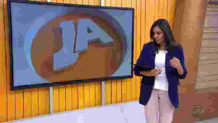 Apresentadora da Globo deixa tablet cair durante telejornal - Reprodução/RBS/TV Globo