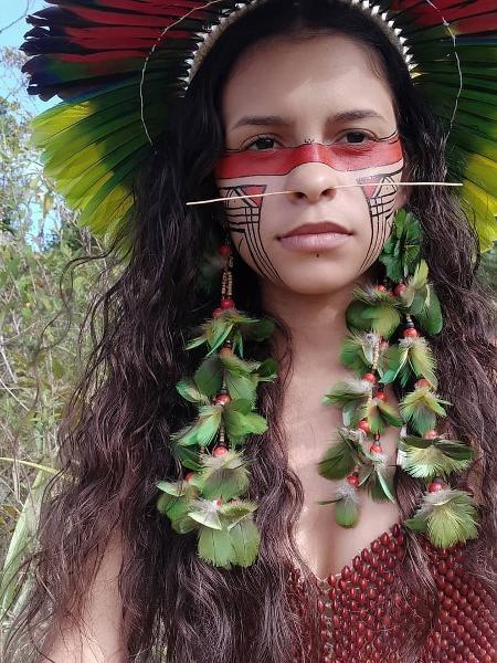 Alice Pataxó usa a internet em defesa de seu povo; reintegrações de posse ameaçam aldeias no sul da Bahia - Reprodução/Instagram