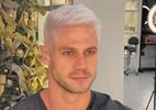 Ex-BBB Jonas Sulzbach radicaliza o visual e aposta em cabelo platinado - Reprodução / Instagram