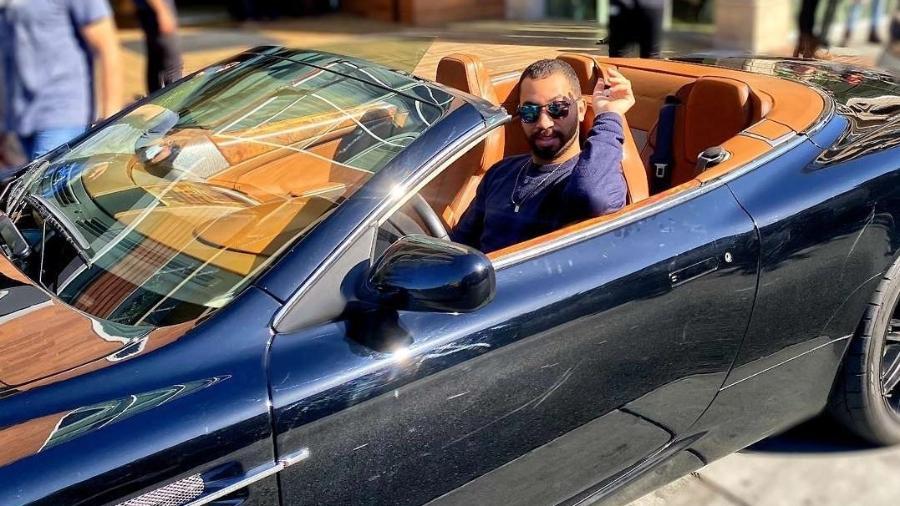 Aston Martin DB9 Volante e ex-BBB Gil do Vigor - Reprodução/Instagram