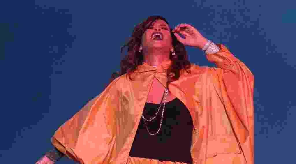 26.set.2015 - Rihanna se apresenta no sexto dia do Rock in Rio 2015 - Marco Antonio Teixeira/UOL