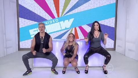 15.jan.2016 - Susana Vieira dança funk até o chão