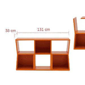 """Os móveis com mais de um uso são mais do que bem-vindos onde o espaço é limitado. O móvel Trick, projetado pela designer japonesa Sakura Adachi (www.sakurah.net), é uma pequena estante quando fechado e uma mesa para refeições, com duas cadeiras, quando """"desmembrado"""" - Divulgação/ Arte UOL"""