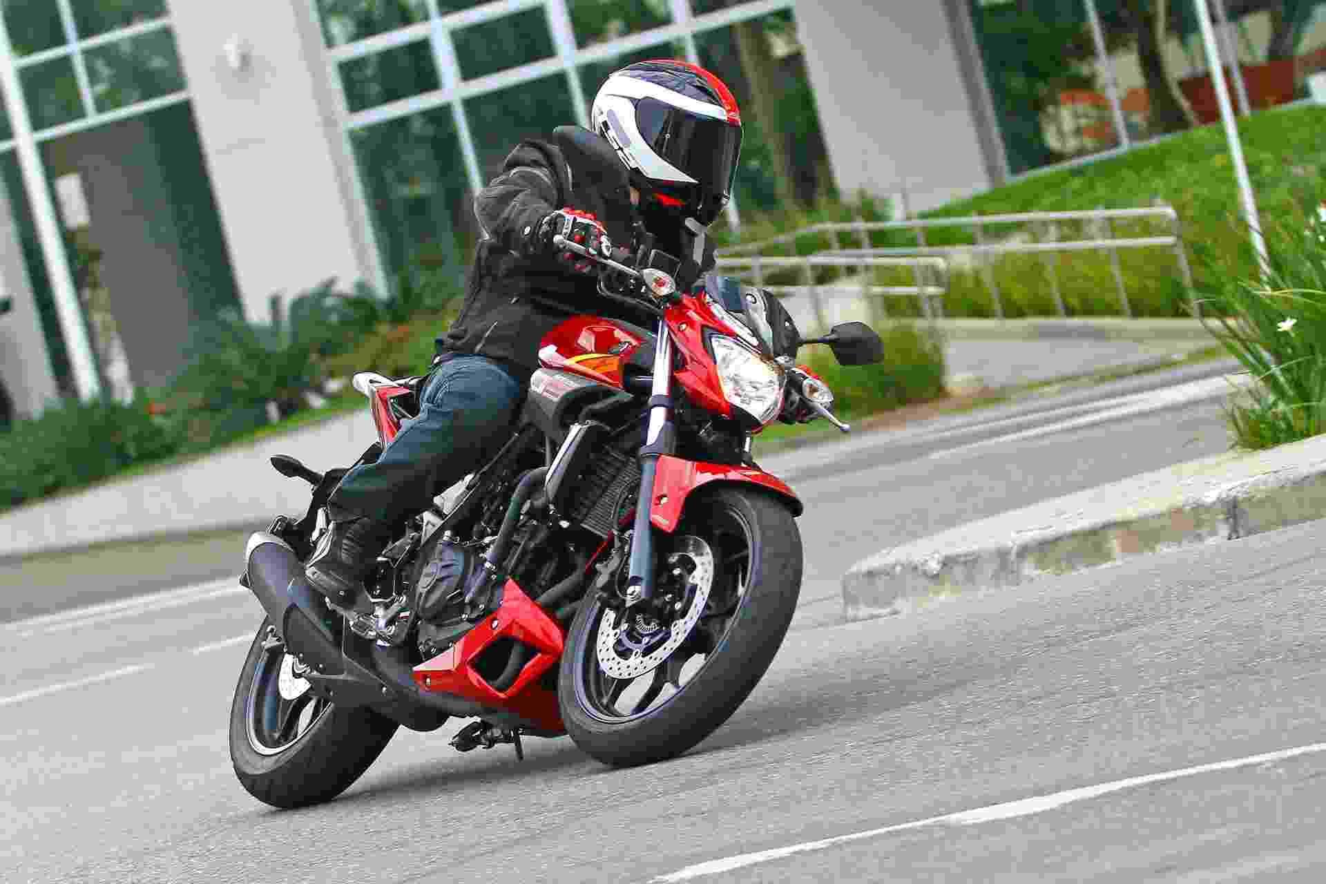 Yamaha MT-03 - Mario Villaescusa/Infomoto