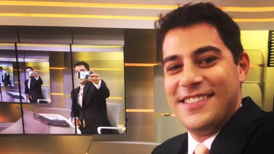 Selfie Evaristo Costa - Reprodução/Facebook