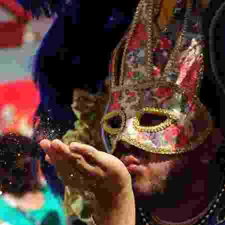 Fica, Carnaval, vai ter glitter! - Junior Lago/UOL