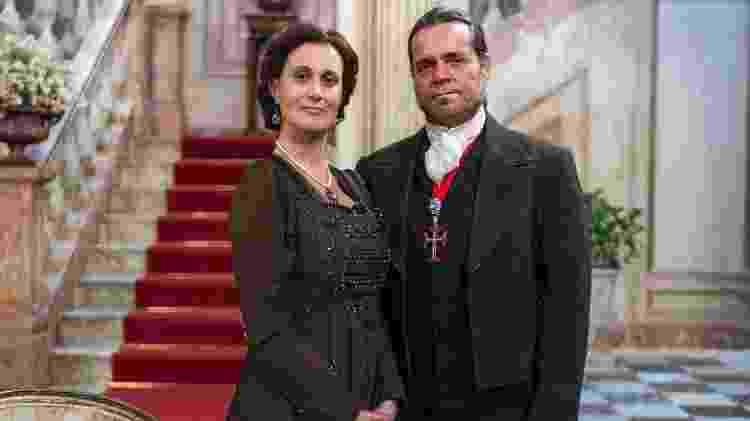 Narcisa (Márcia Cabrita) e Bonifácio (Felipe Camargo) - Raquel Cunha/TV Globo