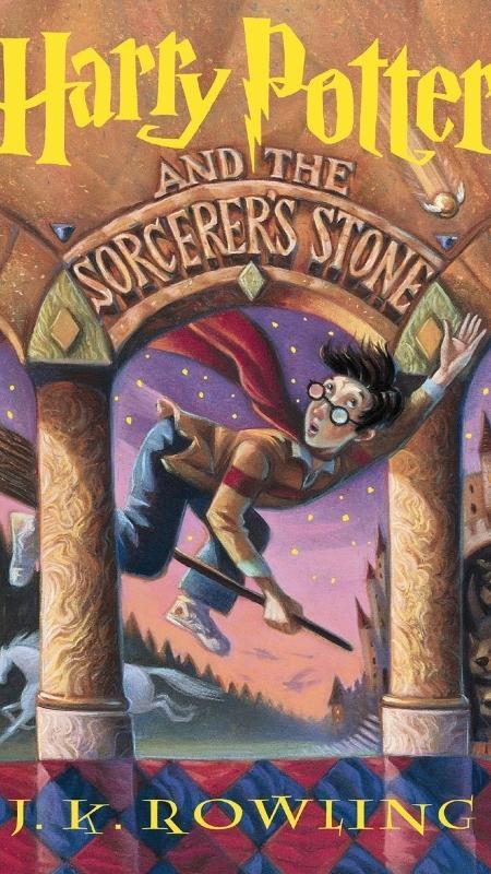 """Capa do livro """"Harry Potter e a Pedra Filosofal"""" - Divulgação"""