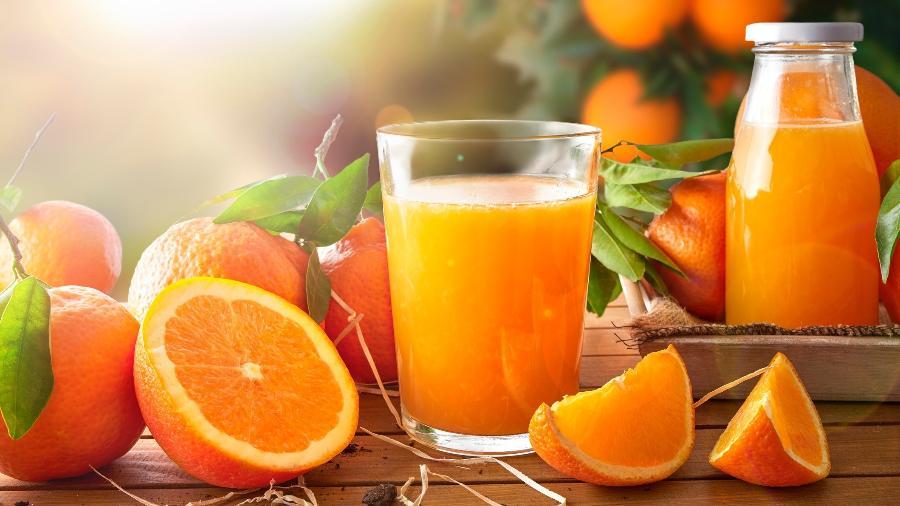 Suco de laranja é um alimento saudável - iStock