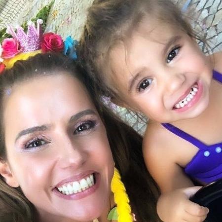 Deborah Secco com a  filha, Maria Flor - Reprodução/Instagram