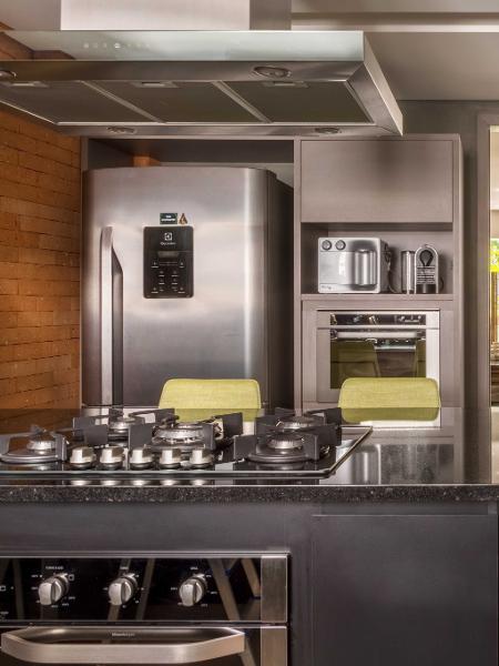 Em 2020, boa parte dos brasileiros ficou mais em casa. Para melhorar seu conforto, conheça alguns eletrodomésticos - André Nazareth/Divulgação