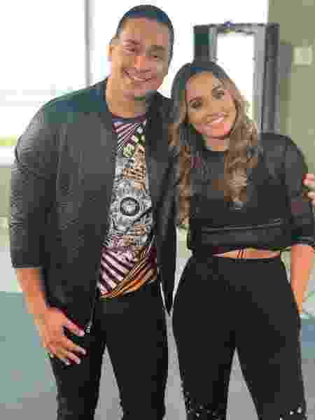 Thaissa e o vocalista Xanddy, do Harmonia do Samba - Divulgação - Divulgação