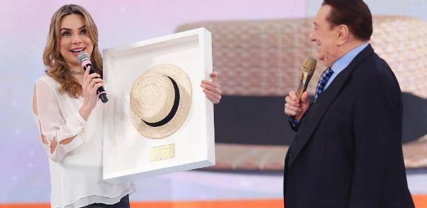 """Rachel Sheherazade, âncora do """"SBT Brasil"""", nas gravações do quadro do chapéu"""