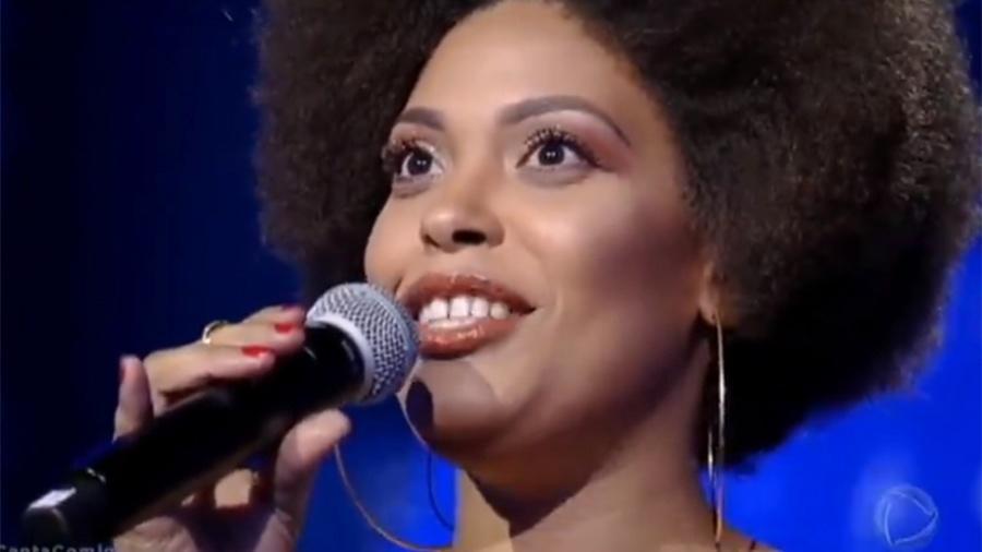"""Débora Pinheiro vence o """"Canta Comigo de Gugu Liberato (""""Imagem: Reprodução/Record)"""