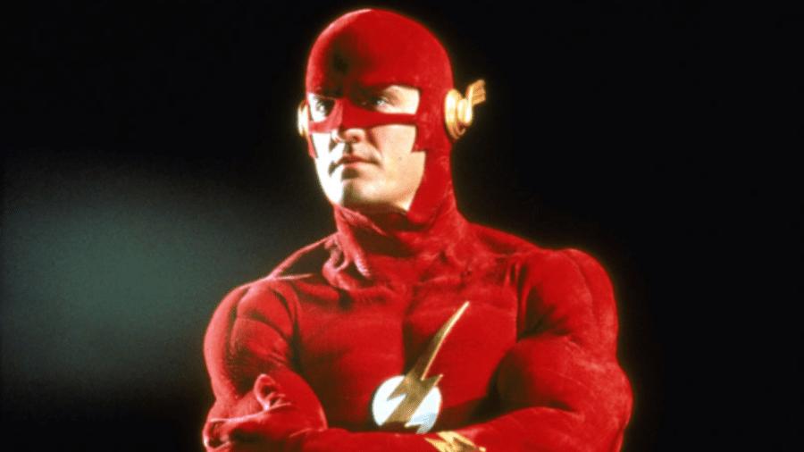 """O ator John Wesley Shipp na série """"The Flash"""" - Reprodução"""