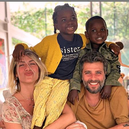 Giovanna Ewbank e Bruno Gagliasso com os filhos, Titi e Bless - Reprodução/Instagram