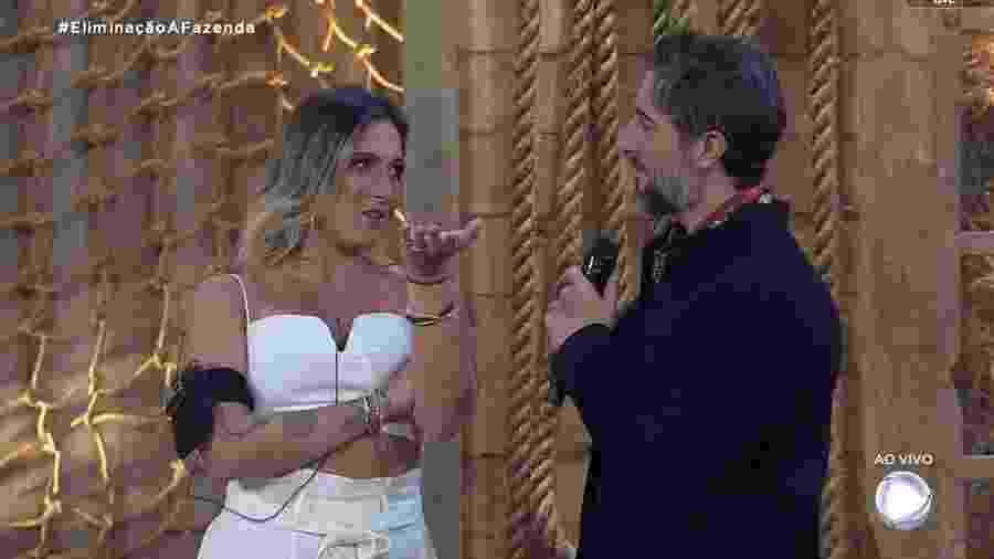 Tati Dias conversa com Marcos Mion após eliminação - Reprodução/RecordTV
