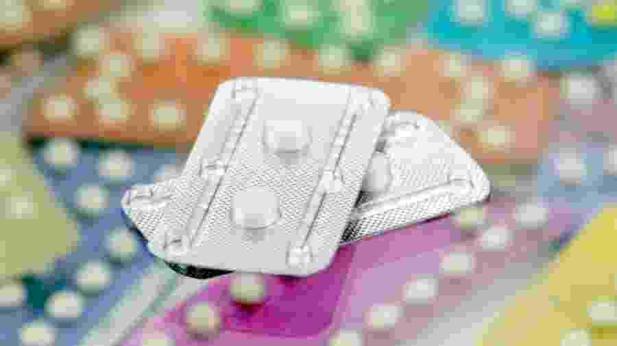 Pílula do dia seguinte evita a gravidez após o sexo - areeya_ann/iStock