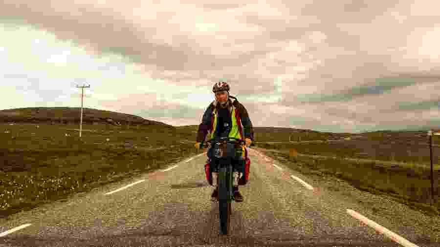 O cicloviajante Nestor Freire em sua passagem pelo Noruega, entre julho e agosto de 2019 - Acervo pessoal
