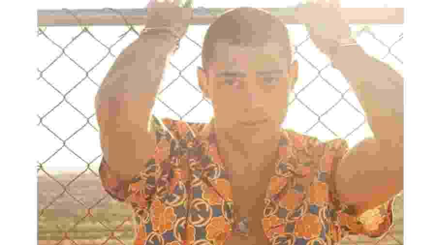 """O ator Noah Centineo - Reprodução/Harper""""s Bazaar"""