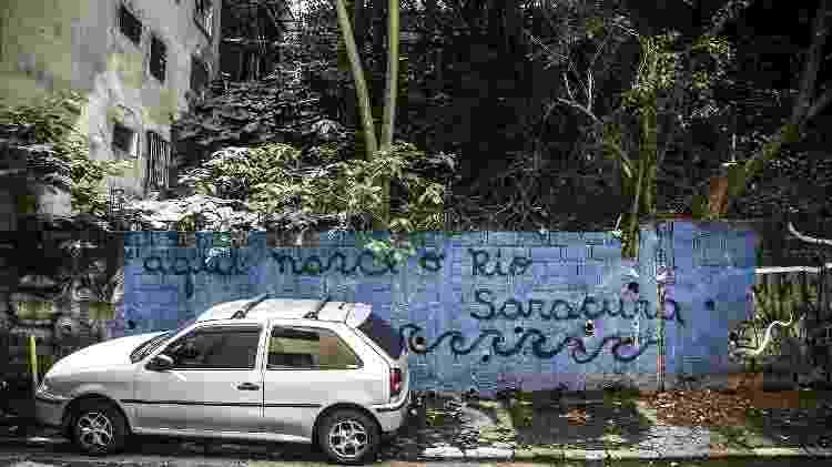 Nascente do Riacho Saracura. Localizada em beco no início da Rua Rocha, na Bela Vista, região central - Lucas Lima/UOL - Lucas Lima/UOL