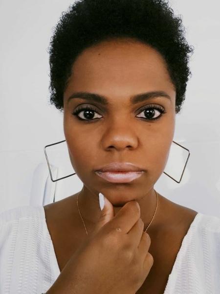 A psicóloga Roberta Massot foi supreendida por comentários racistas sobre o cabelo afro das filhas de 2 e 9 anos - Arquivo Pessoal