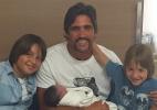 Sertanejo Leo anuncia o nascimento de José, seu terceiro filho - Reprodução/Instagram/leochaves