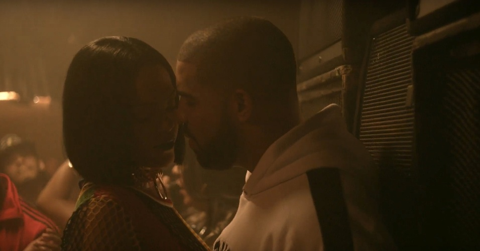 """Rihanna e Drake em cena do clipe de """"Work"""", música da cantora"""