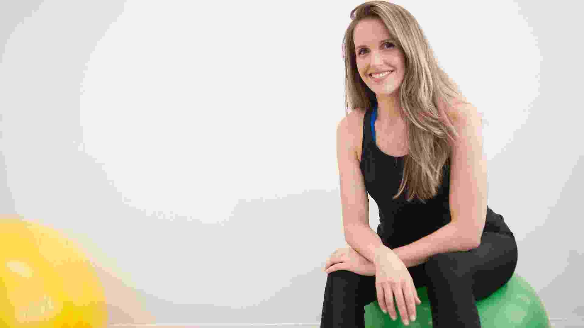 A apresentadora Mariana Ferrão começou a fortalecer a musculatura do assoalho pélvico no terceiro mês de gestação e não parou mais. Atualmente, ela faz duas sessões de fisioterapia semanais na clínica da fisioterapeuta Mirca Ocanhas, em São Paulo. Paralelamente a isso, Mariana faz também algumas séries em casa e caminha todos os dias - Reinaldo Canato/UOL