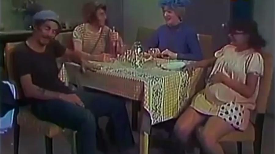 """Cena de """"Chaves"""" em que Maria Antonieta de las Nieves, a Chiquinha, aparece grávida - Reprodução"""