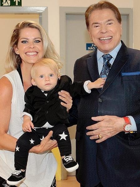 Karina Bacchi se encontra com Silvio Santos e leva filho - Reprodução/Instagram