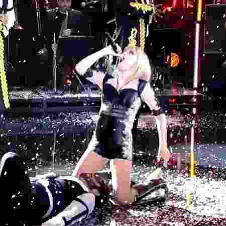 """Alessandra Maestrini interpreta Taylor Swift no """"Show dos Famosos"""" - Reprodução/TV Globo - Reprodução/TV Globo"""