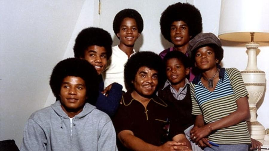 Joe Jackson em retrato de família, no auge do sucesso do Jackson 5 - Divulgação