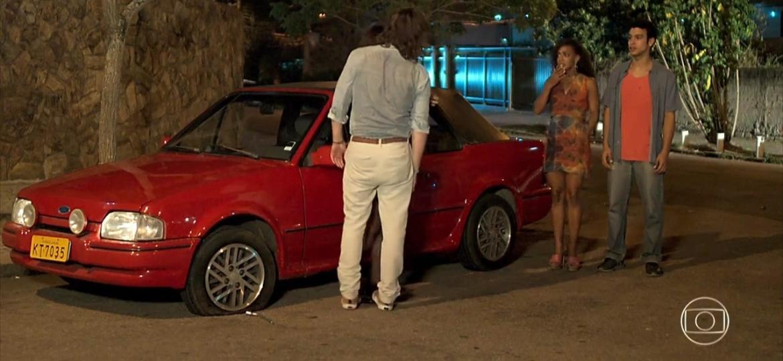 Esportivo cobiçado da época, Escort XR3 é o carro de Quinzinho - Reprodução/Rede Globo