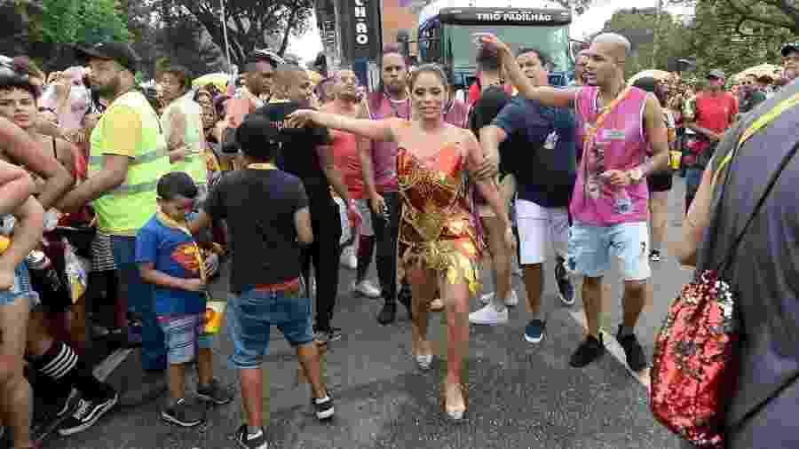 Lexa deixa o Bloco da Preta, onde foi recebida por Preta Gil, e segue para o Bloco das Poderosas, de Anitta, em São Paulo - Francisco Cepeda/AgNews