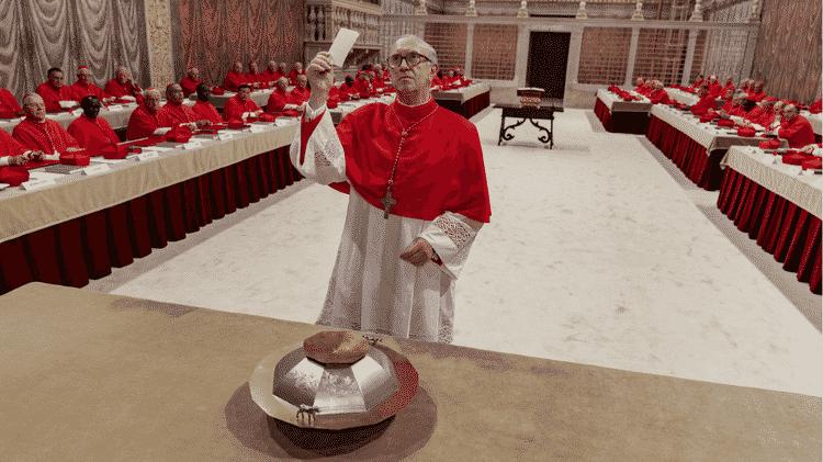 Cardeais fazem voto de segredo durante o conclave, no filme - Peter Mountain