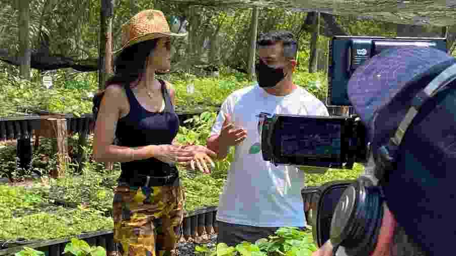 Daniela Albuquerque mostra o viveiro do Rio da Prata, ressaltando o trabalho de conscientização da flora regional - Divulgação/RedeTV