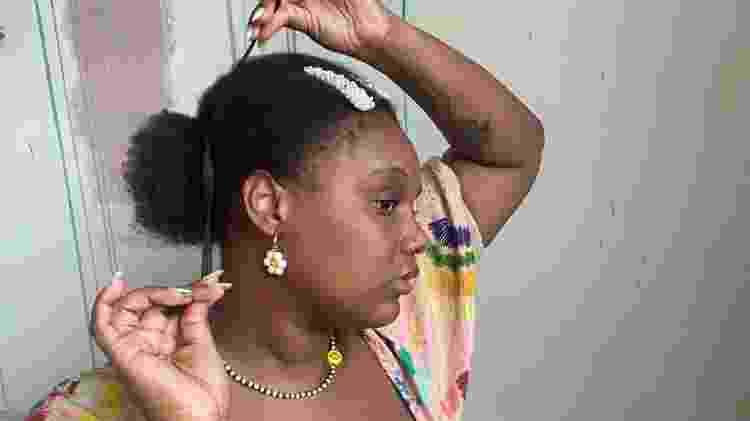 afro com presilha 6 - Déborah Moreno - Déborah Moreno