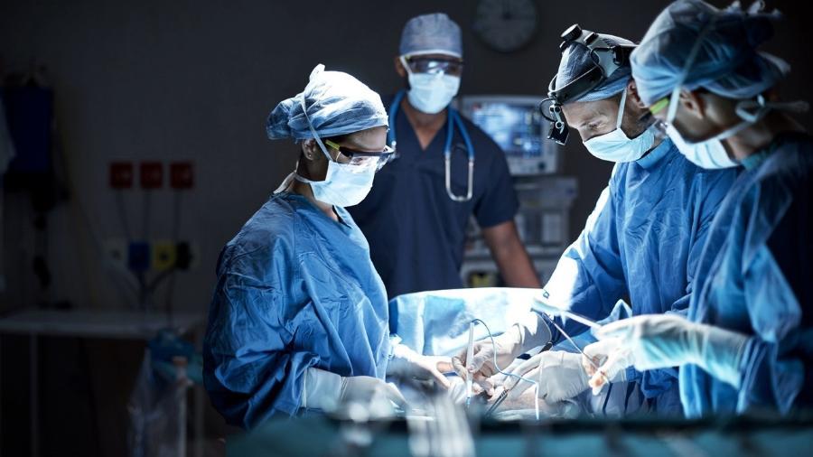 médicos - iStock