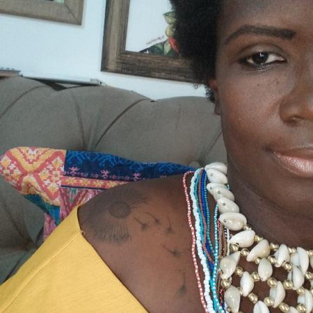 """Selma Dealdina organizadora do livro """"Mulheres quilombolas: territórios de existências negras feministas"""" - Reprodução/Facebook"""