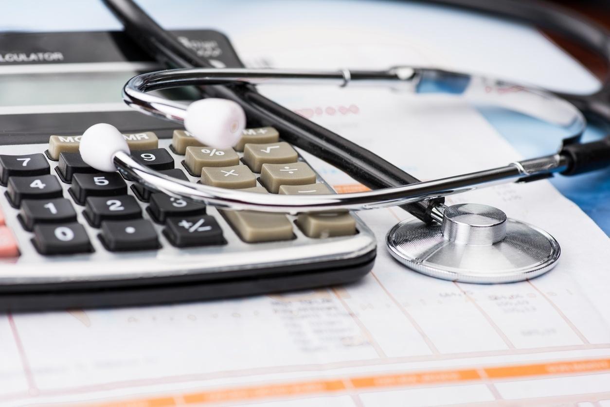 Planos de saúde individuais e familiares terão redução de 8,19%