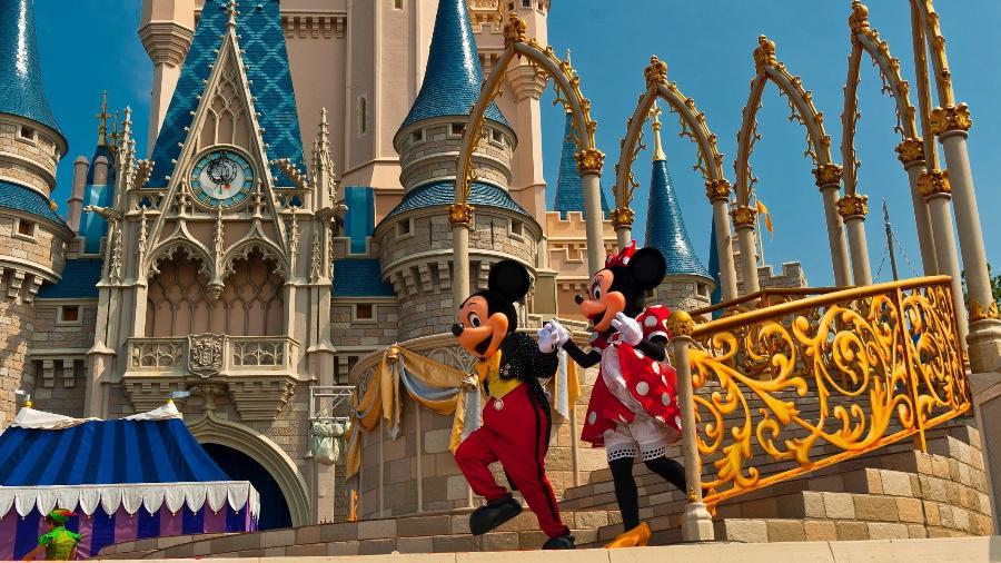 Mickey e Minnie no Castelo da Cinderela - Blaine Harrington III/Getty Images
