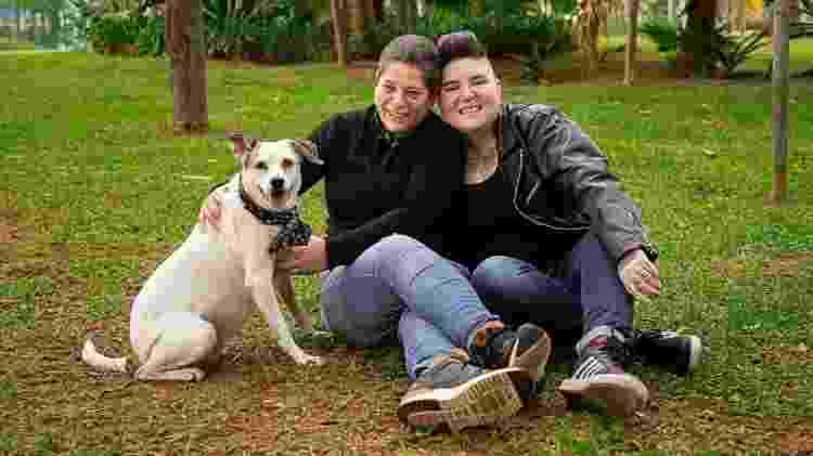 Na família de Crica e Sandra, até a cachorra Breja gosta de fofoca - Arquivo pessoal - Arquivo pessoal