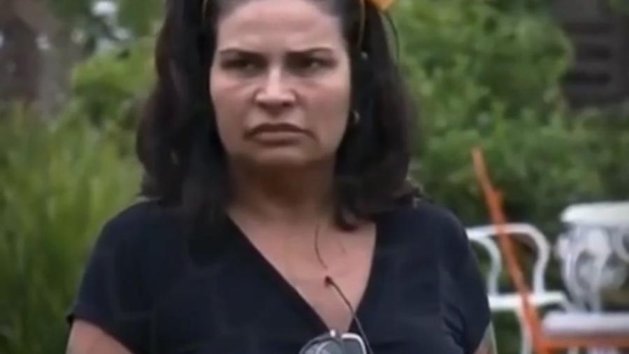 A Fazenda 2021: Solange Gomes se confunde em tarefa por falta de óculos - Reprodução/PlayPlus