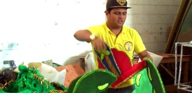 O designer Rodrigo Moura tinha 40 funcionários no Carnaval de Cabo Frio de 2015; neste ano, prefeitura cancelou desfile oficial