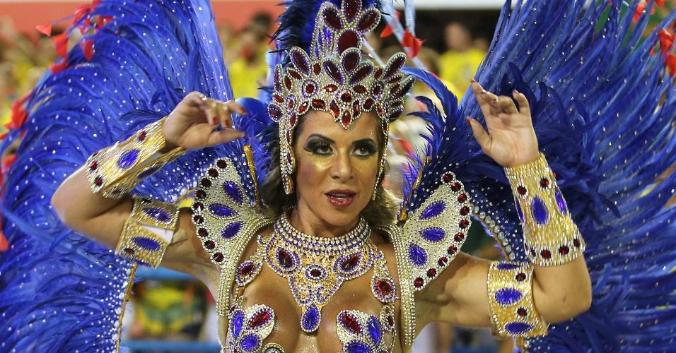 7.fev.2016 - Destaque de chão samba durante o desfile da União da Ilha, cujo tema foram as Olimpíadas do Rio