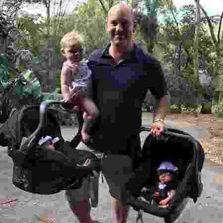 Ben, 38 anos, com os três filhos - Reprodução/Instagram - Reprodução/Instagram