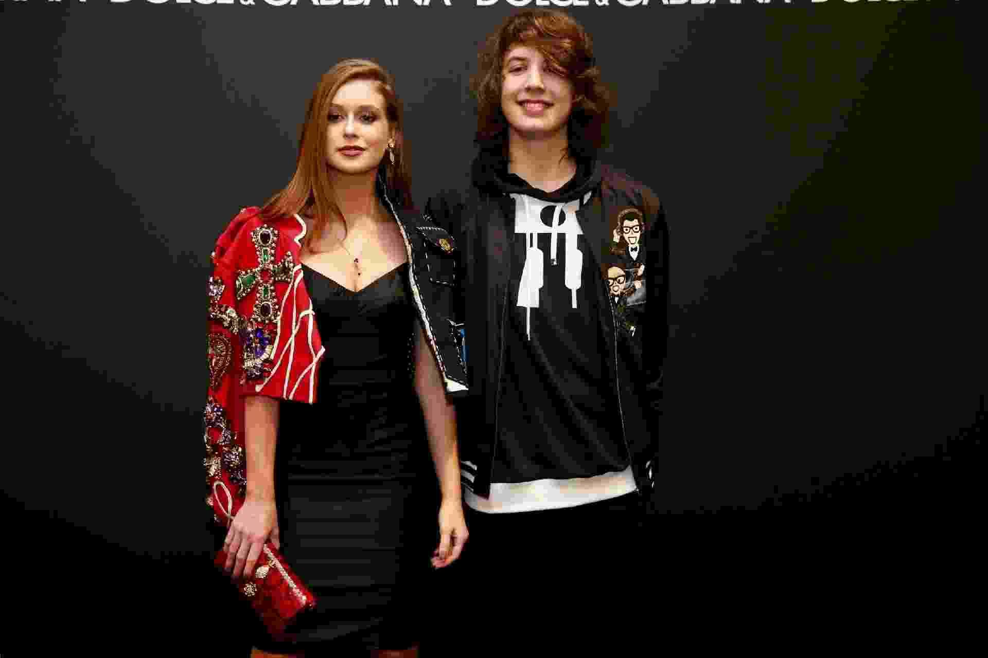 Marina Ruy Barbosa e Lucas Jagger, filho de Mick Jagger com a apresentadora Luciana Gimenez, se encontraram em um evento da grife italiana Dolce & Gabbana realizado em um shopping de São Paulo. Os dois posaram juntos para fotos - Manuela Scarpa/Brazil News