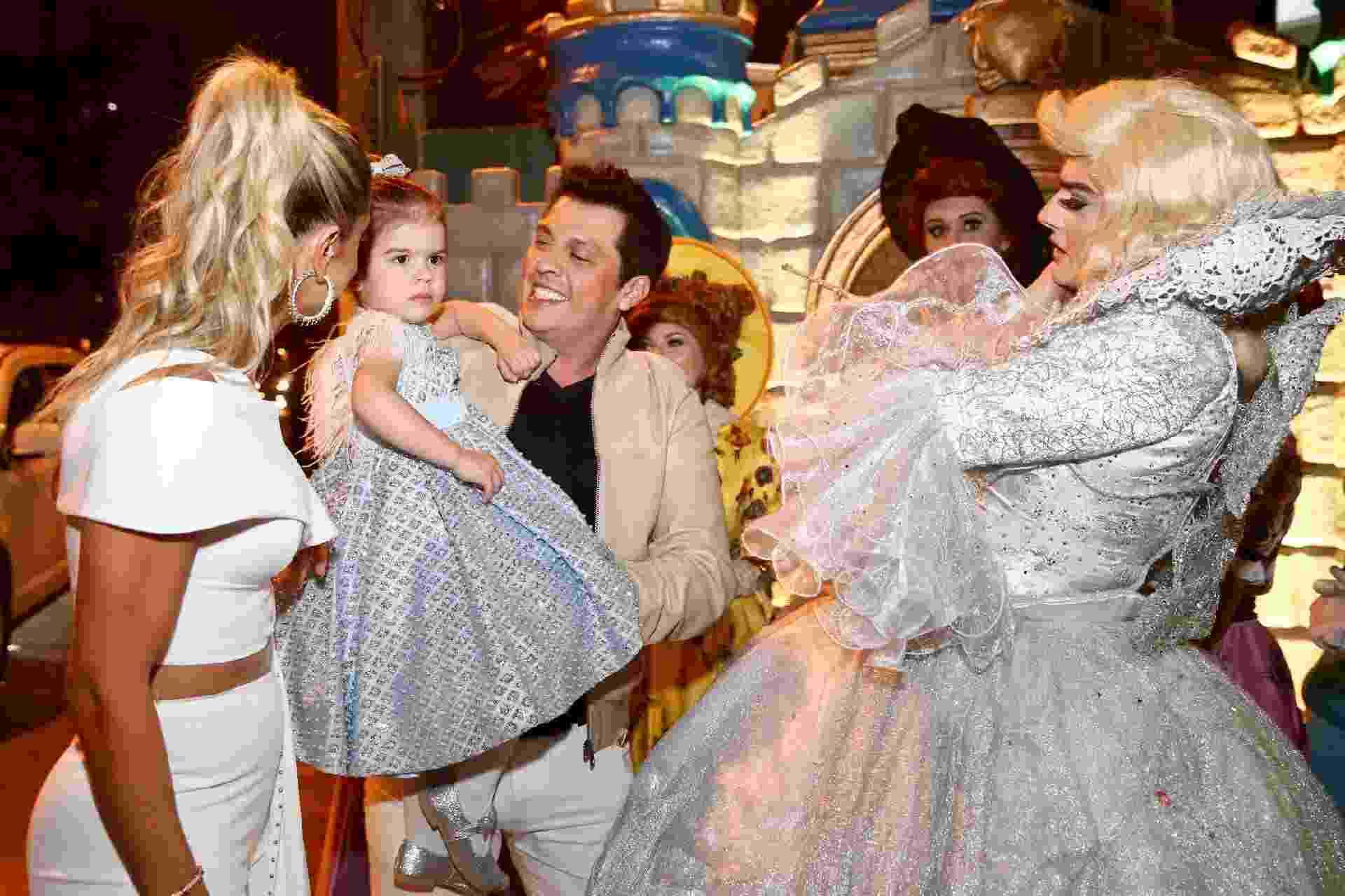 Mirella Santos e Wellington Muniz, o Ceará, promoveram na tarde desta sexta-feira (11) a festa de aniversário da filha, a pequena Valentina Santos Muniz. - Manuela Scarpa/Brazil News