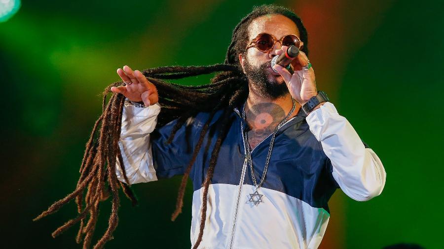 """Rael agitou o Palco Sunset com Elza Soares e emplacou seu disco """"Coisas do Meu Imaginário"""" na categoria """"urban"""" do Grammy Latino - Marco Antonio Teixeira/UOL"""